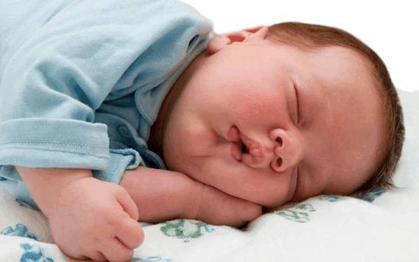 好发型是睡流行,头型多大睡图片?今年出来短宝宝女枕头图片