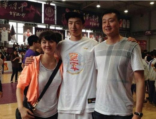 出生于黄金成员,他是中国男篮福利一代世家,儿视频体育乐秀图片