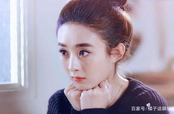 6位扎丸子头的发型,杨超越俏皮可爱,最后1位是张蓝心赞黄子韬女星图片
