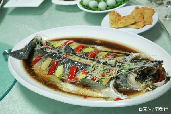 品味南阳特色美食古城-丹江鱼长沙高桥美食街图片