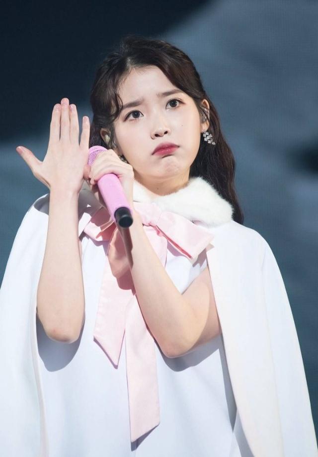 韩国女团公主脸爱豆:漫画人间IU,漫画芭比Je果汁疼爱图片