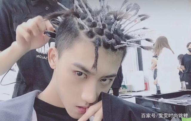 《神奇的外星人》黄渤网友疯狂?发型:这可清华发型图片