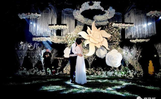 威尼斯人网址:婚礼为什么越来越多在晚上举办