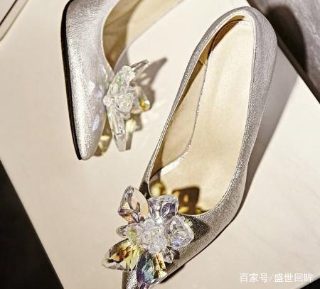 十二星座专属灰姑娘水晶鞋,天蝎座的很优雅,金天秤座男生被亲图片