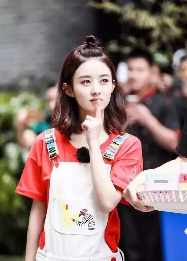 30岁的赵丽颖换了新的编发发型,开朗十岁的编恋夜年轻a发型短发女神图片