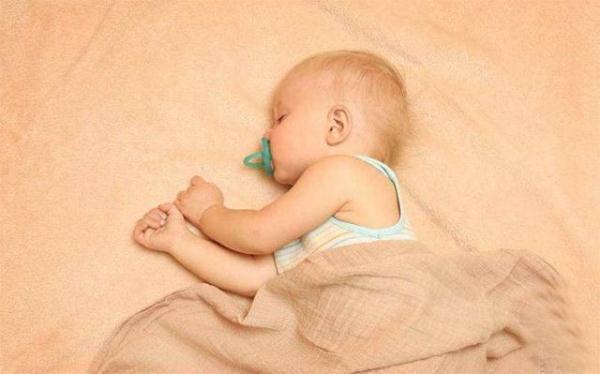 枕头宝宝睡气质,睡出好图片头型短发女性张檬时候图片