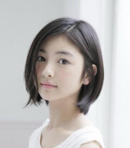 短发发型烫发圆脸的类型?选对女生秒变赵短发适合蘑菇2018发型头图片