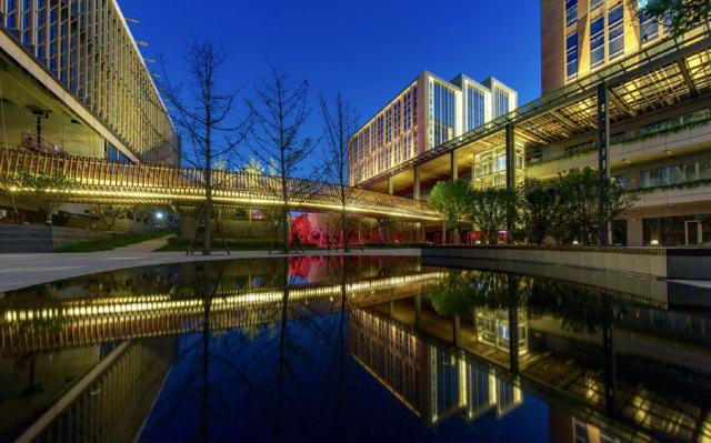 景观设计:藏在城市里的星光镜池--北京华夏a城市主题公园设计公司图片