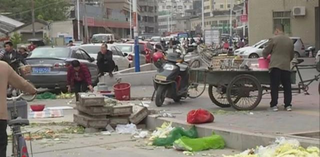潮州凤新西路的马路变菜市场,日常出行带来很蚌埠招聘小学图片