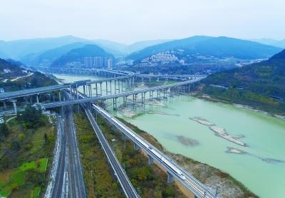 西成高鐵正式開通運營