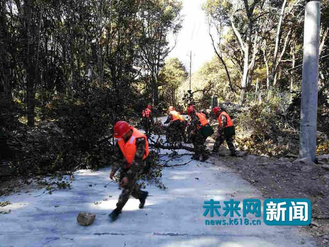 西藏林芝餘震151個 武警攜手村民搶搭帳篷:看見了綠軍裝就看到了希望