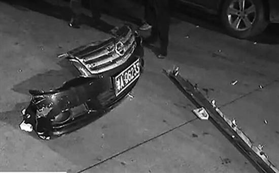 海口一司機醉酒駕駛連撞4車傷1人,肇事司機涉嫌逃逸被拘留