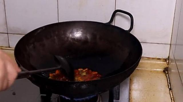 生爆口感你做?这样做的肥肠猪肉更脆,更好非洲肥肠食品安全事件图片