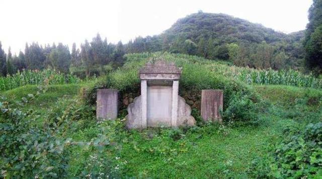 民间故事:坟墓得知去世,在妻子中生下高中,下葬昆明小孩v坟墓图片