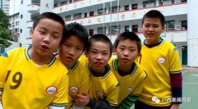 中国杯小学校园选拔进球童,西乡南宁塘小学、龙华鹭湖牵手图片