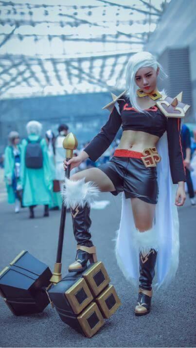 美女荣耀:史上最全王者美女英雄版cosplay合辑持枪真人的图片