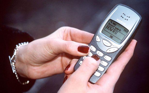 世界第一條短信誕生在 25 年前,今天你還會用短信幹什麽?