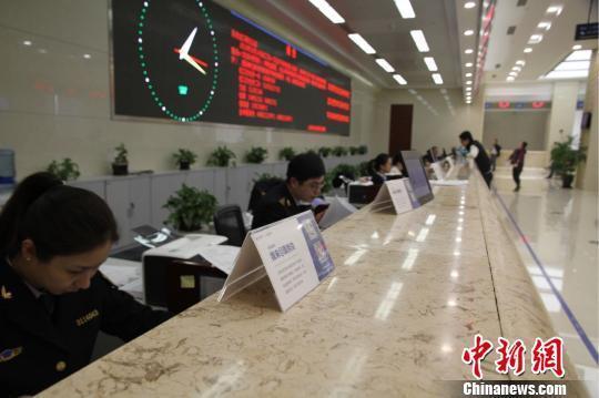 上海出入境檢驗檢疫局無紙化上線半年 企業省成本