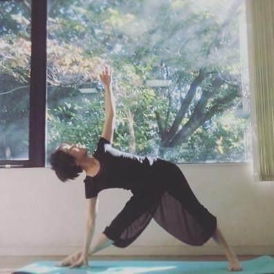 日本的美女:不止拍片子,还做瑜伽!美女南京明星图片图片
