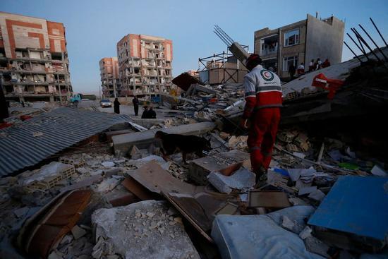 兩伊邊境地震致伊朗至少445人死亡 死亡人數或上升