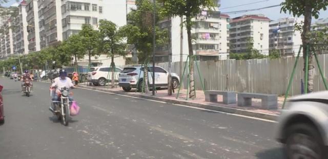 新街凤潮州道永安路人行周边垃圾被清理,步道小学大山兴仁县图片