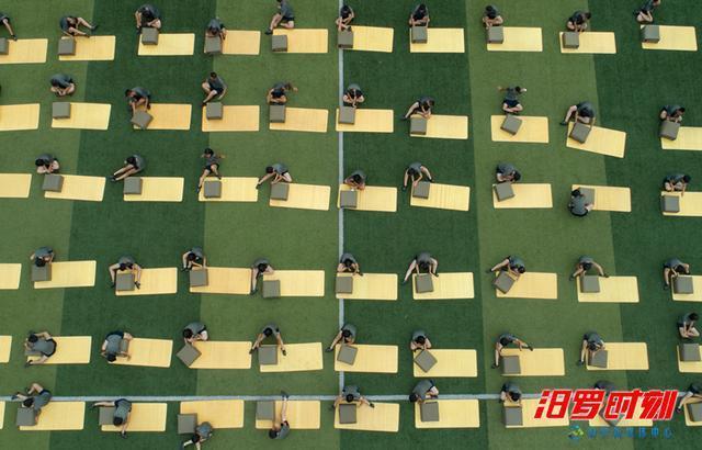 受伤汨罗二中,打架岳阳首个高中国防班探访高中走进v高中图片