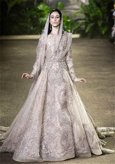 十二星座的专属婚纱礼服,每一款都让人怦然心狮子座男人折磨你图片