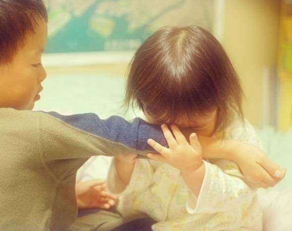 4岁的小女孩用她超级可爱的头像,红遍表情圈微信图片大哭朋友表情图片