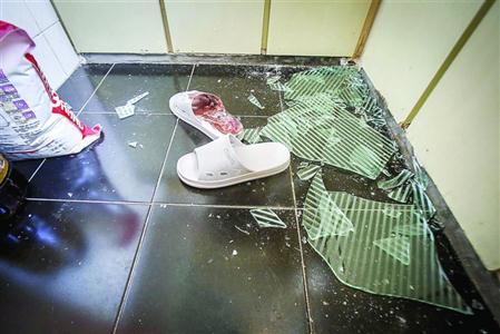 滬一新租房櫥櫃玻璃脫落割傷租客 究竟誰負責?