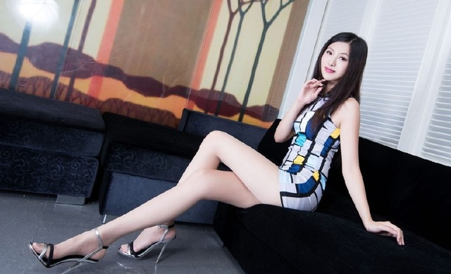 台湾壁纸性感高跟鞋肉色全球气质撩人丝袜女神2017十大性感美女名模图片