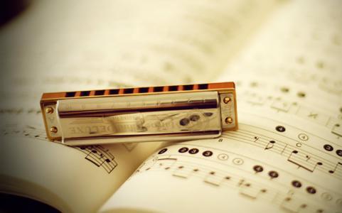 教学学吉他的入门口琴,省钱学吹教程看这里!才永欧口琴新手图片