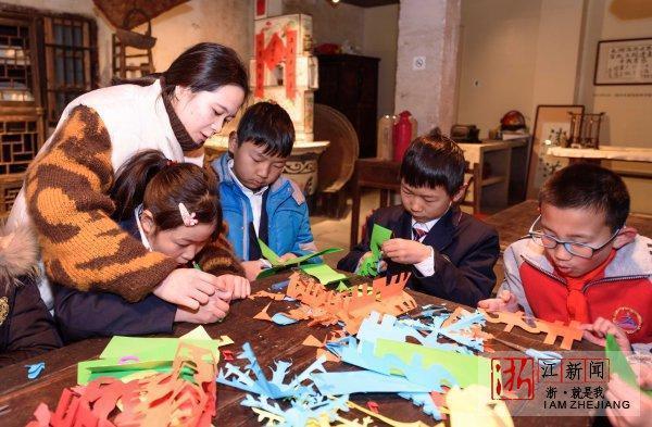 湖州:织里小学生人教v人教春英语剪纸上册三年小学图片