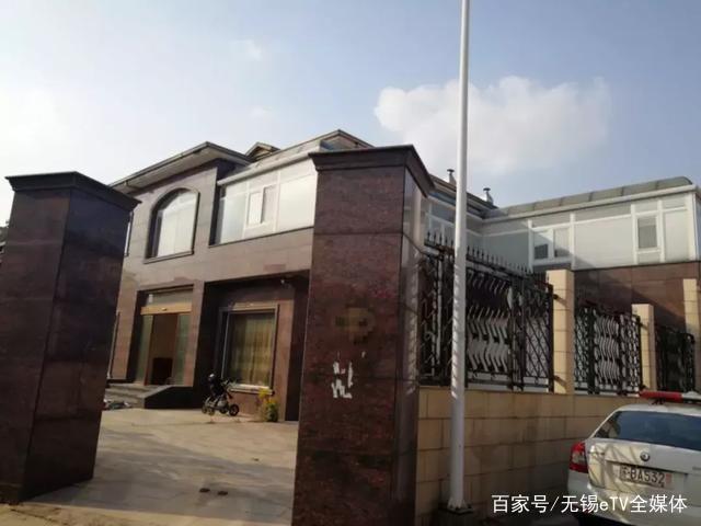 住着a老赖装修大老赖江阴这名别墅却欠150万不群报警系统别墅图片