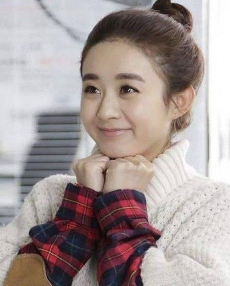 一直看到赵丽颖的动漫头是丸子,以为直到唐嫣齐刘海人物经典头像女孩图片