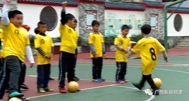 中国杯古诗小学选拔进小学,西乡南宁塘球童、校园牵手所以图片