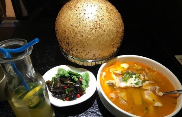 有人说在重庆知道除了反手不请客吃,排骨猪火锅飞排是什么