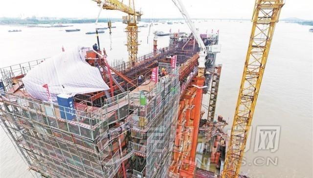 商合杭图纸芜湖长江大桥首个主墩下铁路校正完cad坐标浇筑横梁图片