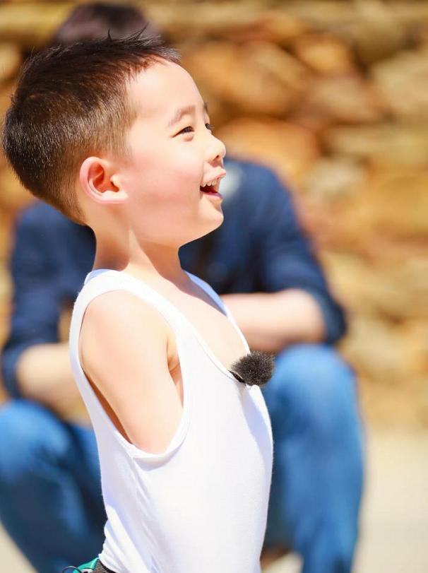 澳门星际平台:一个超级可爱的男孩子呀
