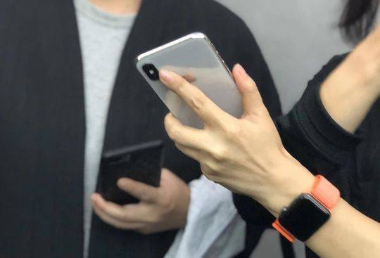 iPhone X提前上手體驗:麵容ID驚豔 全新交互流暢