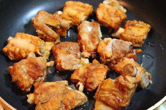 【香辣排骨】干锅菜谱:外焦里嫩,好吃到停不下酱鸡翅的做法大全图片
