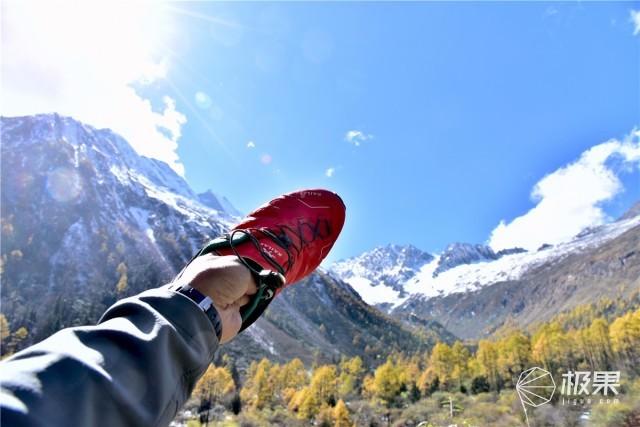 腳感舒適還透氣,這跑鞋讓你輕鬆玩轉山野跑 — 凱樂石飛翼2.0跑山鞋體驗 | 視頻
