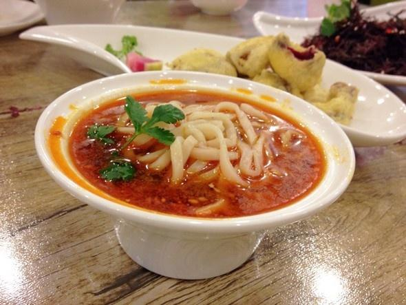 郑州美食这条美食街藏匿着六家特色小馆,你们价钱物语梦西郊图片