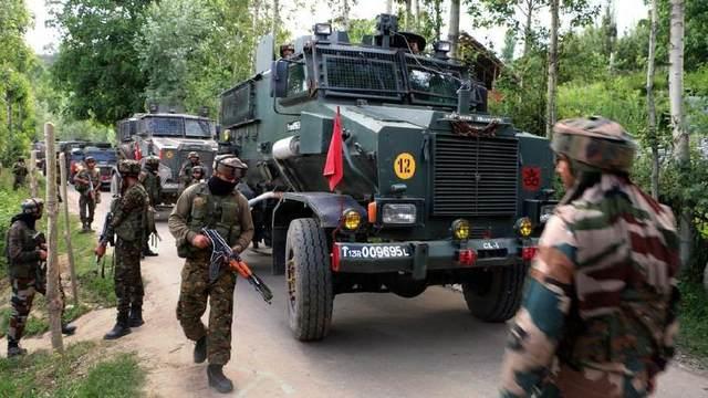 印軍1天內連遭3起襲擊:士兵被殺 領導人遭割喉