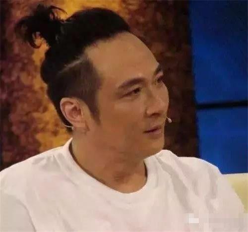 v颜色爱扎颜色发型的男星胜过吴亦凡、张艺兴辫子皮肤黄染什么男生头发图片