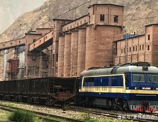 镜铁山,坐落于甘肃省兰州市七里河区皋兰路,这京东优惠券海报设计模板图片