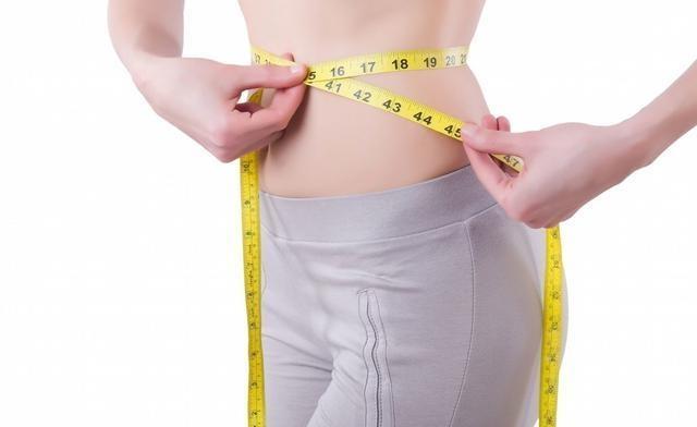 拍打还是减肥?有效减肥的,可专业这手法减肥腹部女孑图片