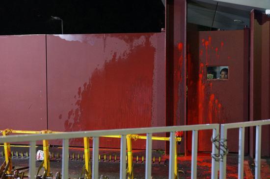 蔡英文住所遭抗議民眾突襲潑漆 台主播諷其該被隔離