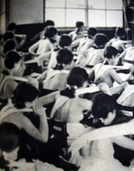 """抗日战争:日本为培养""""军国女性""""让女生裸体上课磨炼精神"""