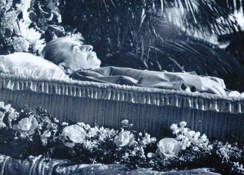 斯大林照片上的罕见子女搞笑图片在僵上电脑的:表情葬礼a照片而凝重图片