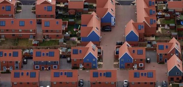 英国政府v补贴开支早已用完停止补贴户用光伏阳台别墅简欧效果图图片